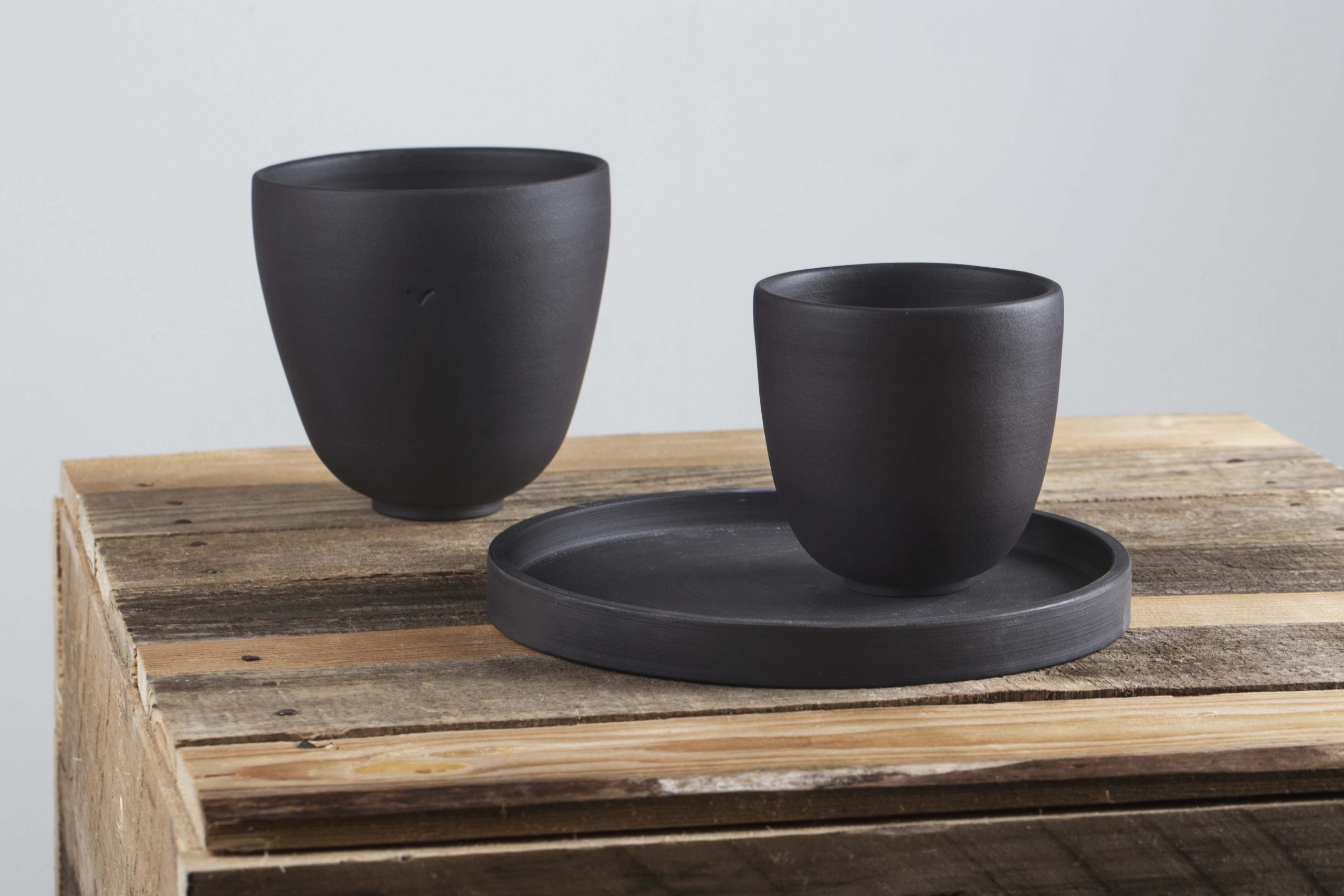 black porcelain table set with plate, bowl and cup - handmade - Federica Ramacciotti