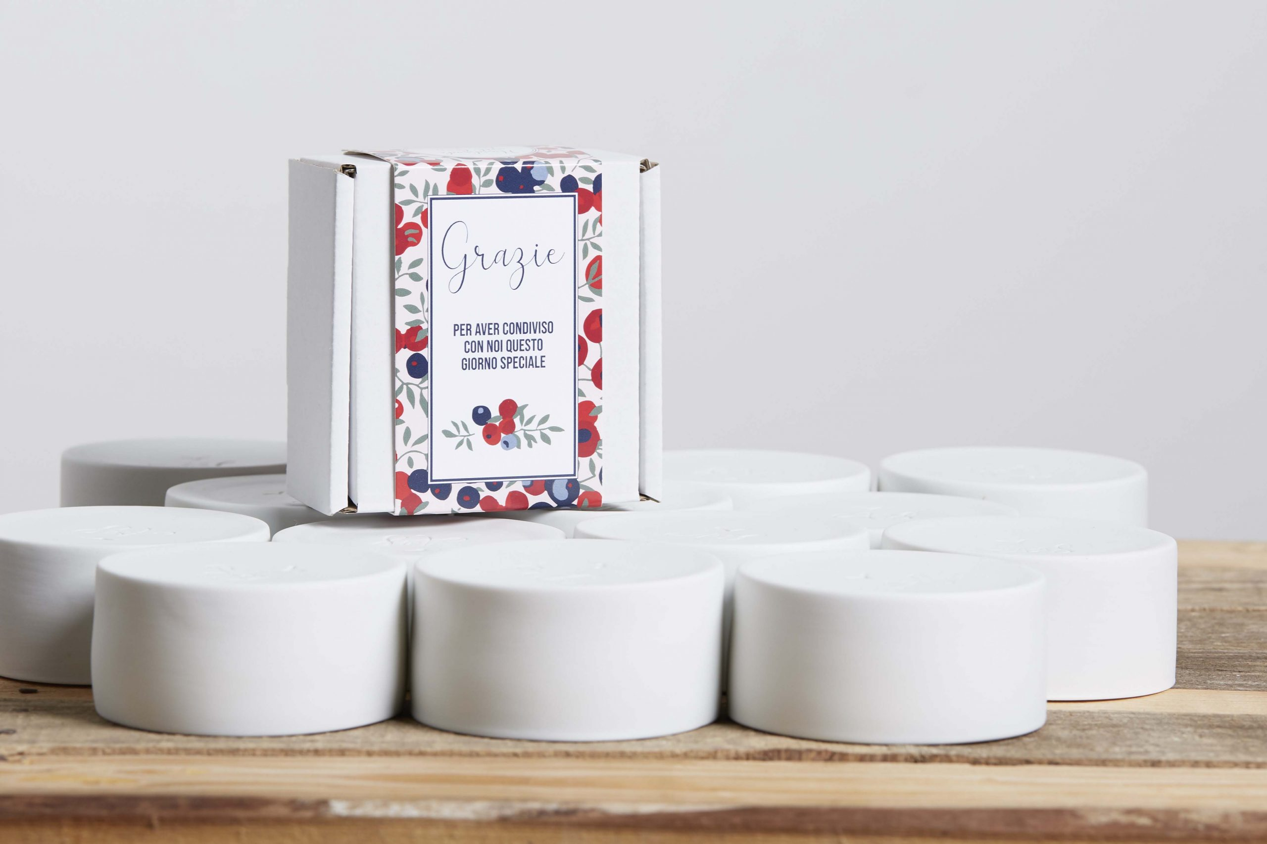 wedding favors in white porcelain with their box - handmade - Federica Ramacciotti