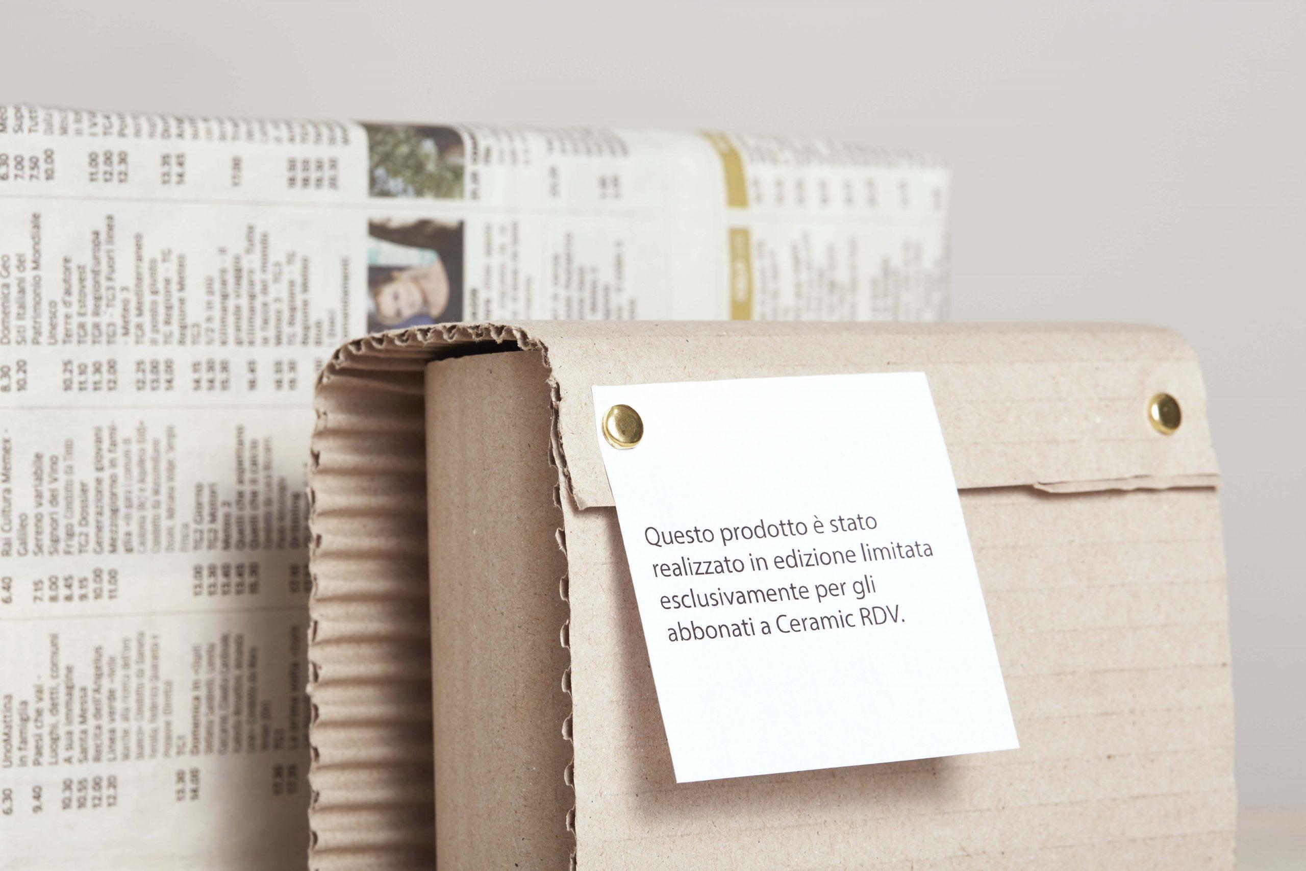 due pacchi e un biglietto - artigianale - Federica Ramacciotti