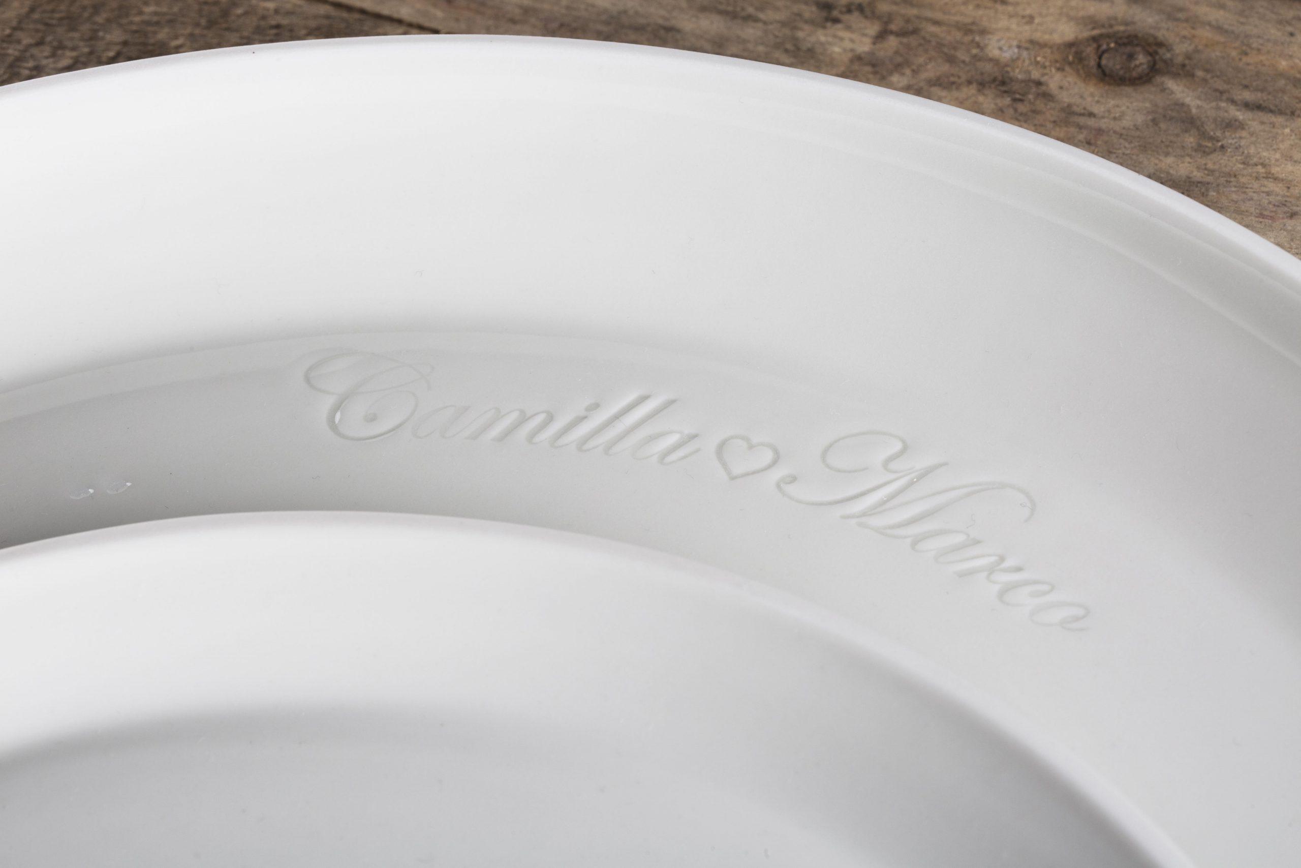 piatto con impresso il nome della coppia di sposi- lavorazione artigianale - Federica Ramacciotti